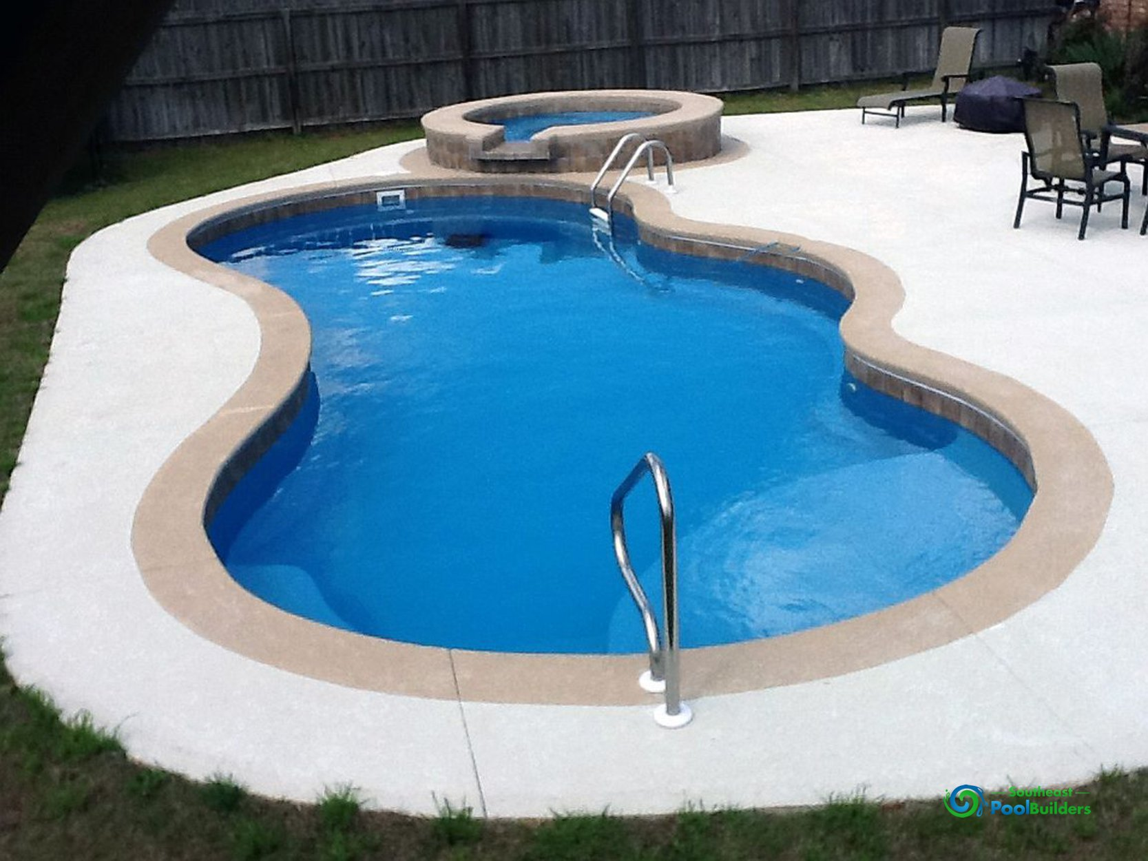 What to Keep in Mind When Designing Your Swimming Pool